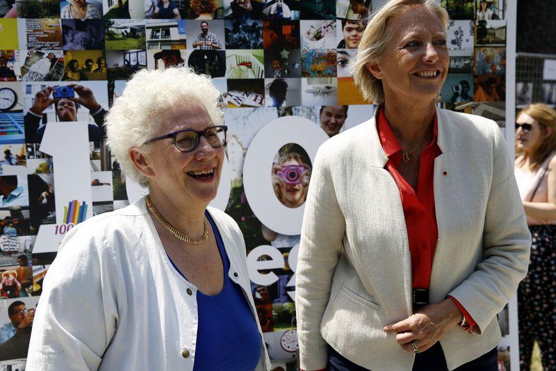 Marie Sophie-Desaulle, présidente de Vivre et devenir, avec Sophie Cluzel, secrétaire d'État auprès du Premier ministre chargée des personnes handicapées